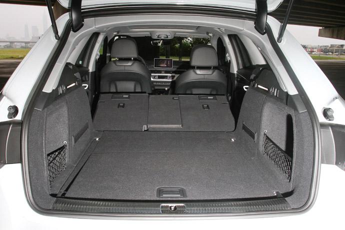 后行李箱具备505公升基础容量,并可扩充至1510公升.